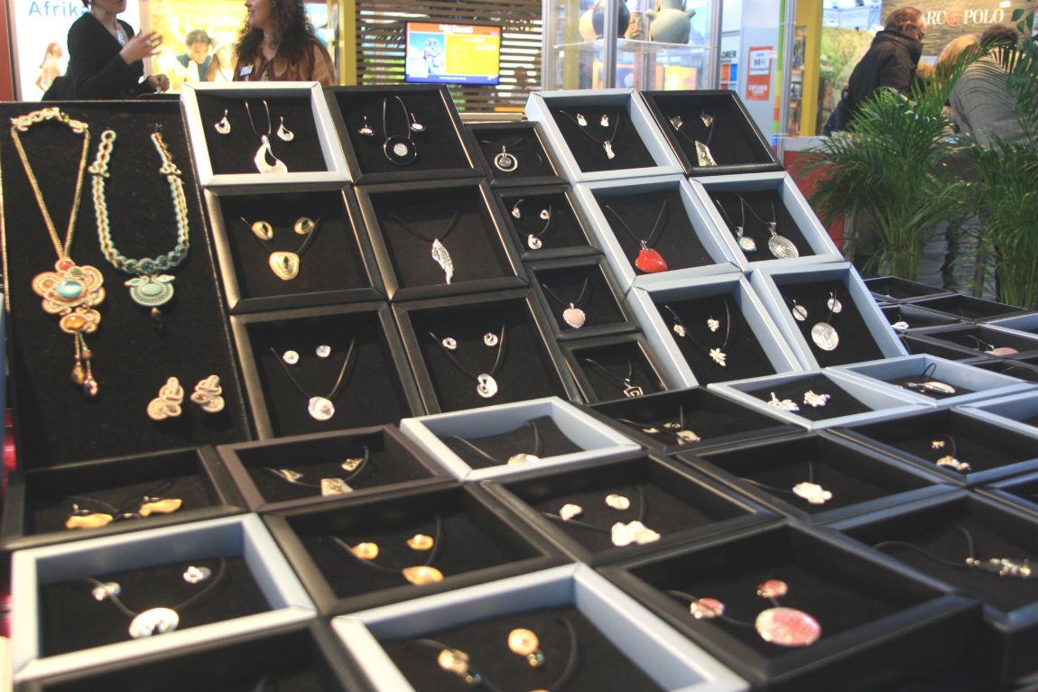 URBANIA jewellry