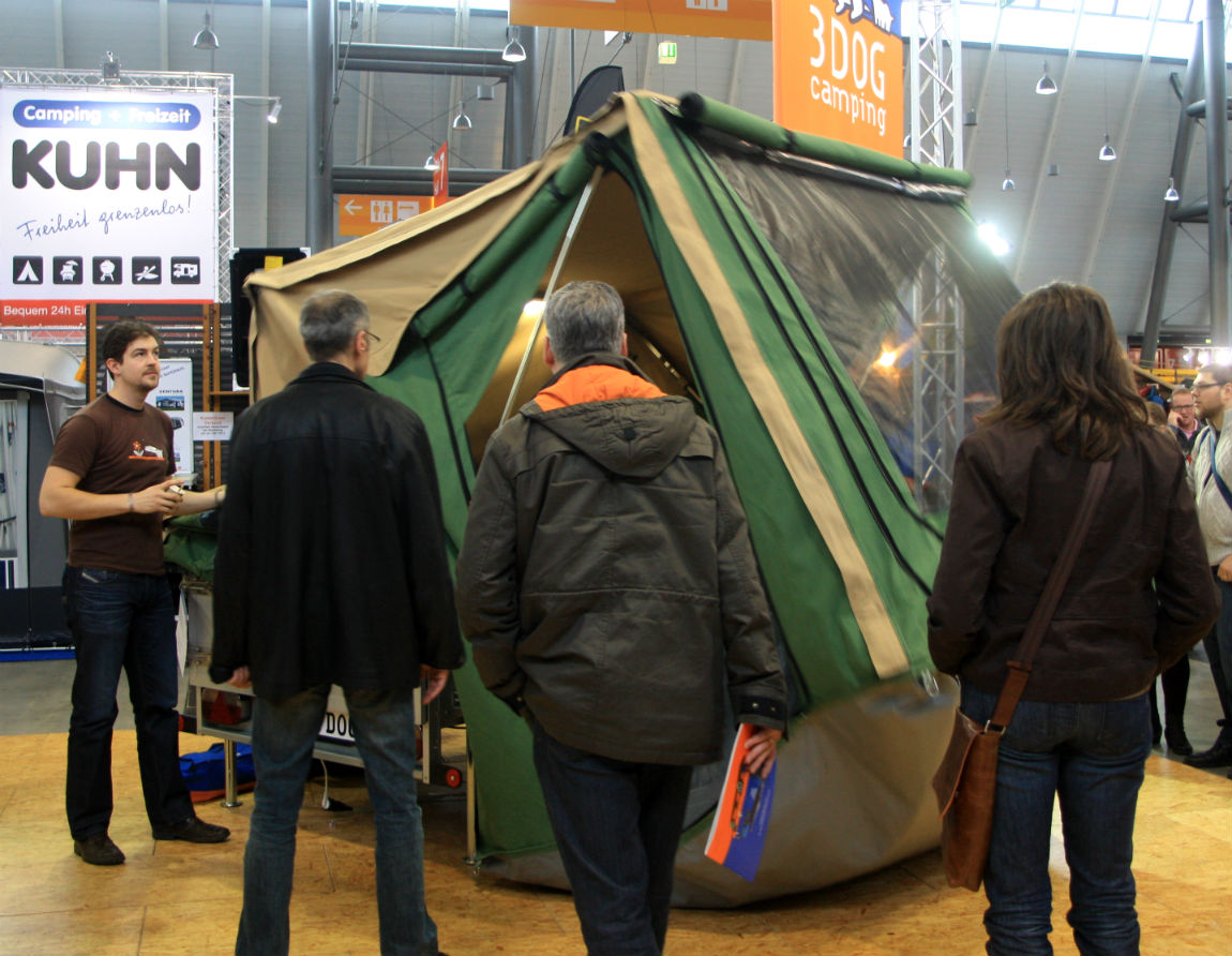 3 DOG tent