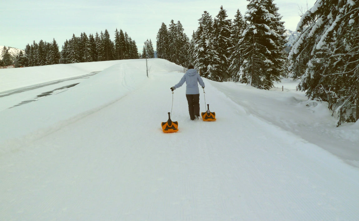 Dragging the sleds on the first meters