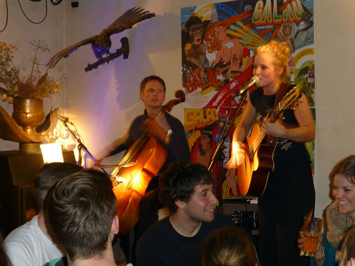 Singer-Sonwriter Synje Norland at the Galao in Stuttgart