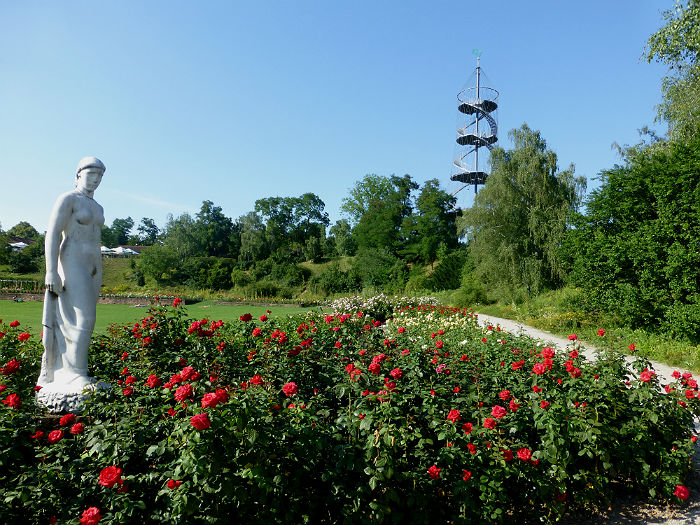 Statue at the Valley of the roses / Tal der Rosen, Killesberg, Stuttgart