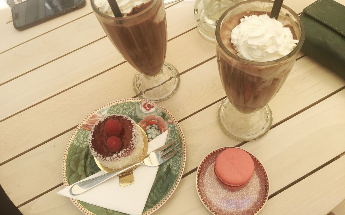 Gluten free in Stuttgart Isabella Patisserie cakes and iced chocolate