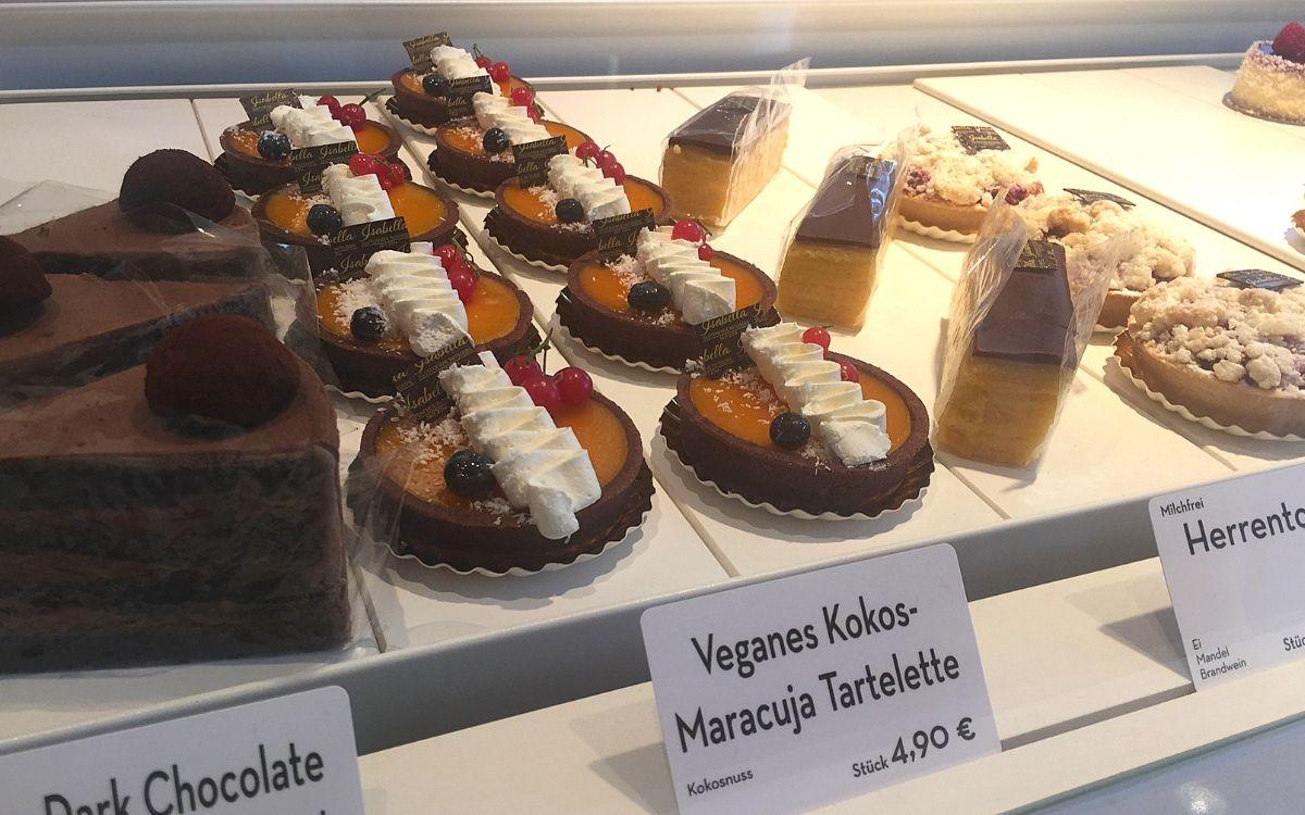 Gluten free in Stuttgart Isabella Patisserie cake selection
